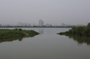地点F:ため池