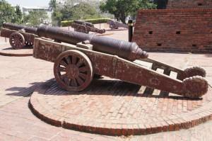 海防の大砲