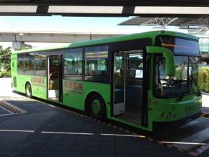 桃園国際空港行きのシャトルバス