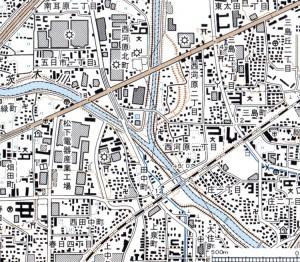 2万5千分1地形図「吹田」にみられる安威川と茨木川。