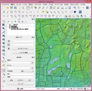 色別標高図と標準地図を背景地図として表示。